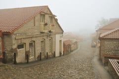 有雾的街道 库存图片