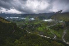 有雾的谷风景在乔治亚 图库摄影