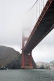 有雾的金门大桥 库存照片