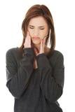 有青少年的妇女可怕的牙疼痛 免版税图库摄影