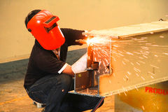 有面具的焊工 免版税库存图片