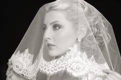 有面纱的新娘 免版税库存图片