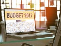 有预算2017年概念的膝上型计算机屏幕 3d 库存照片