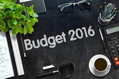 有预算2016年概念的黑黑板 3d翻译 库存图片