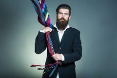 有领带的英俊的人 库存图片