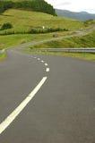 有风亚速尔群岛弯曲的海岛横向的路 免版税图库摄影