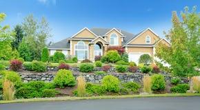 有风景的美丽的房子在华盛顿州 免版税图库摄影