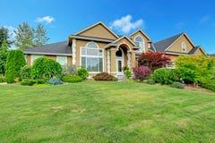 有风景的美丽的房子在华盛顿州 免版税库存图片