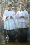 有香炉的神学院的学生 库存图片