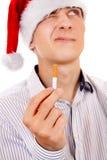 有香烟的年轻人 免版税库存照片