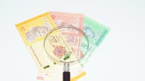 有马来西亚钞票的放大器 电缆太选择许多的概念照片适当的usb 免版税库存图片