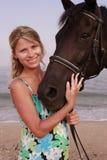 有马的女孩 库存图片