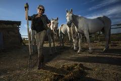 有马的妇女 免版税库存照片