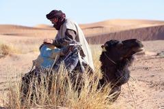 有骆驼的,摩洛哥流浪者 免版税库存图片