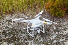 有高分辨率数码相机的寄生虫quadrocopter幽灵赞成专家 库存照片
