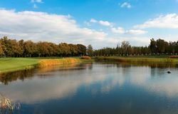 有高尔夫球场的公园 库存图片