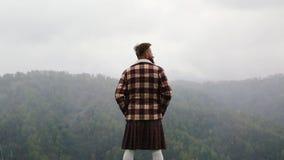有髭胡子山的人苏格兰男用短裙 ?? ? 雾白种人 影视素材