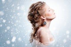 有魅力圣诞节构成的美丽的女孩 图库摄影