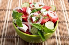有鲜美和健康的素食膳食的绿色碗 免版税库存照片
