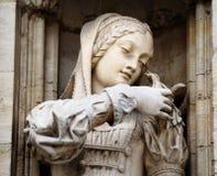 有鸽子的中世纪公主,布鲁塞尔 免版税库存图片
