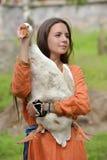 有鹅的女孩 图库摄影