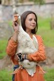 有鹅的女孩 免版税库存图片