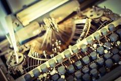 有黑按钮的葡萄酒打字机 免版税库存图片