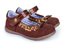 有鼓吹爱情与和平的嬉皮士的布朗鞋子 免版税库存图片