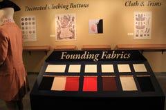 有18世纪军用衣物、按钮和扣的,堡垒Ticonderoga,纽约室, 2014年 免版税库存图片