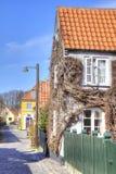 有16世纪的房子的渔村 免版税库存图片