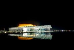 有1001个位子的现代被设计的巴林国家戏院 图库摄影