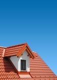 有黏土瓦片的屋顶 库存照片