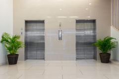 有绝密,室内设计的电梯 免版税库存照片