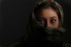有围巾的亚裔妇女 图库摄影