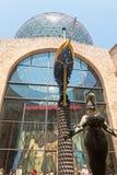 有`帷幕的霍尔迷宫`的在大理剧院和博物馆,卡塔龙尼亚,西班牙 免版税库存图片