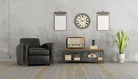 有黑扶手椅子和老收音机的葡萄酒客厅 免版税库存图片