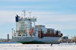 有货物的一艘巨大的船 图库摄影
