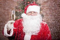 有玻璃的圣诞老人 库存照片