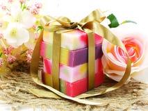 有维生素的果子肥皂从自然干净的皮肤和面孔的 免版税库存照片