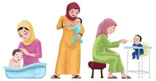 有他们的孩子的阿拉伯母亲 库存图片
