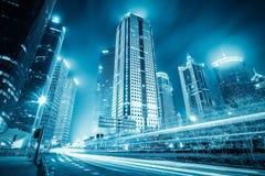 有轻的足迹的未来派城市 免版税图库摄影