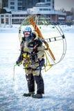 有滑翔伞的人 图库摄影