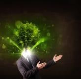 有绿色树头概念的人 免版税库存照片