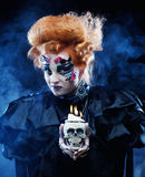 有头骨的幻想妇女 播种被扩大的火光灵活性光晕月光奥秘影子蜘蛛网的大明亮的铸件古怪 图库摄影