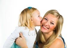有2 yo女儿的孕妇 免版税库存图片