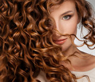 有Beautifull头发的妇女 免版税库存照片