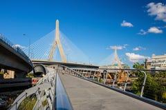 有blus天空的Zakim桥梁在波士顿 免版税图库摄影