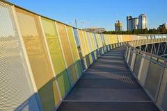有Brickpit在悉尼奥林匹克公园的圆环步行安全封入物的走道  图库摄影