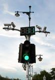 有CCTV的红绿灯 免版税库存图片