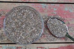 有chia种子的碗在桌上 库存图片
